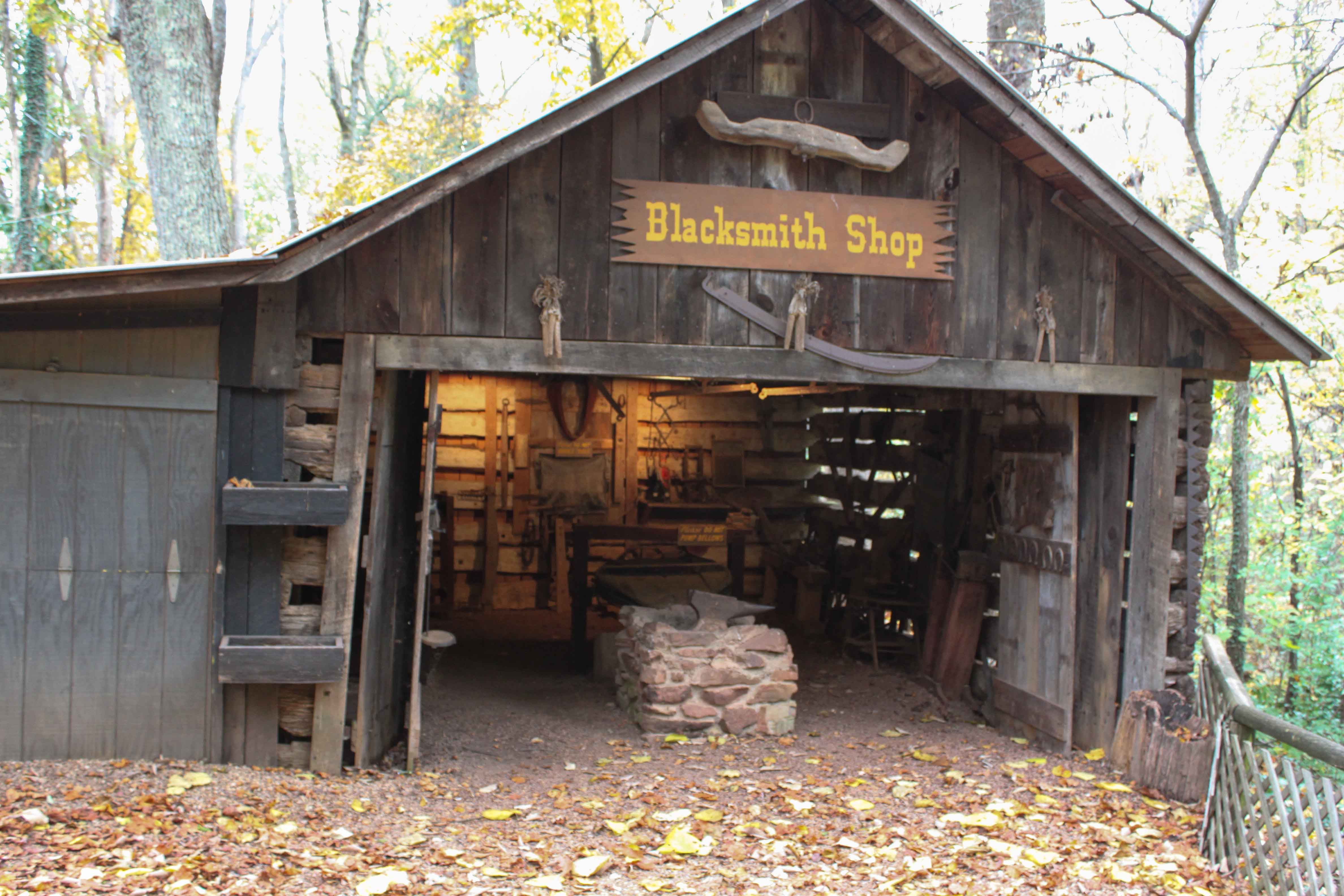 Old Man S Cave General Store Hours : The lost sea adventure not as it looks